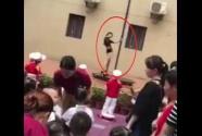 开学典礼演钢管舞 幼儿园园长被免职