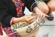 海南:深挖民族手工艺资源——承接传统 谋求创新