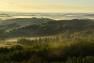 旅游季节 木兰围场景区强化生态保护