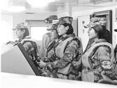 我军首批船艇士官女学员即将毕业离校