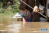 泰国披集府遭遇暴雨