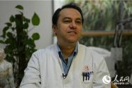 """""""洋中医""""胡曼:将针灸作礼物 送给世界更多患者"""