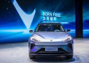 突破自我 ARCFOX极狐冲击新能源汽车高端市场